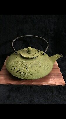 Cast Iron Asian Teapot With Infuser - Green Bamboo Design