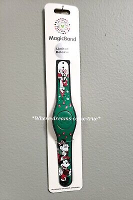 Disney Parks 2019 Limited Release Christmas Magic Band 2 Green LINKABLE