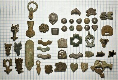 A mix of ancient finds Medieval decorations 9th-12thcentury Vikings-Slavs