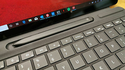 "Microsoft Surface Pro X 13""/8GB/256GB/4G LTE/Bundle keyboard & slim pen"