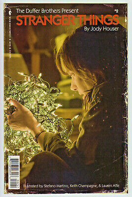 Stranger Things #1 vintage photo cover/_/_CGC 9.8 SS/_/_Signed by Noah Schapp