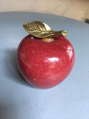 VINTAGE RED APPLE PAPERWEIGHT Alabaster Marble STONE GRANITE BRASS STEM/LEAF