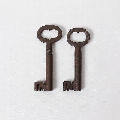 CAST IRON SKELETON KEYS X2 GEORGIAN ANTIQUE c.1770 in 5.6cm L