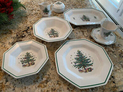 "Nikko Classic Collection ""Christmastime"" Holiday Dinnerware Set,13 dinner plates"
