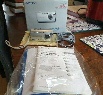 SONY CyberShot DSC-S40 Digital Camera Box with USB cable GC