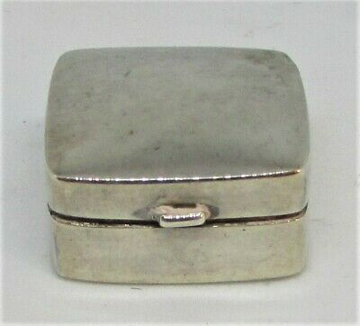 Solid Silver Pill Box by Douglas Pell 1956 with 925 London Marks Small/Miniature