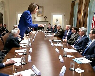 """Nancy Pelosi """"Stands Up"""" To President Donald Trump In 2019 - 8X10 Photo (Sp293)"""