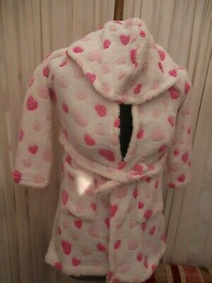 Girls age 5-6 years fluffy pink spot dressing gown