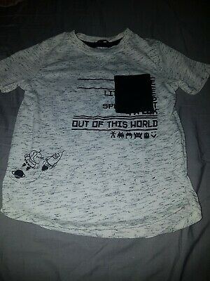 Boys Age 3-4 Years Grey And Black Top