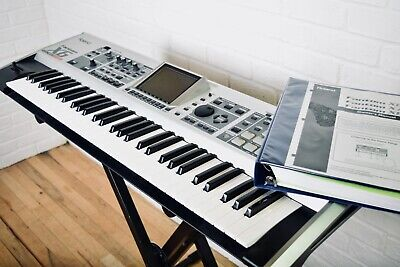 Roland Fantom X6 keyboard synthesizer mint condition w/ manual-synth piano
