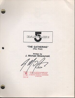 Babylon 5 Pilot Script autographed by JMS - Rare - Excellent Condition