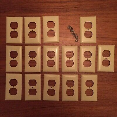 LOT OF 15 VINTAGE CREAM COLOR TAN OFF WHITE OUTLET PLATE COVERS with 15 Screws