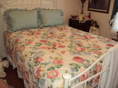 """Full Size Spring/Summer Quilt 84"""" x 84"""" Floral Pastel Colors Machine Wash & Dry"""