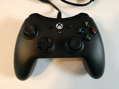 Amazon Basics Wired Video Game Controller for XBOX One Black 1500527-02 NEW
