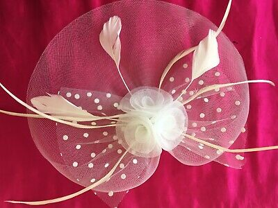 Fascinator Lovely White Hairpiece Wedding Races