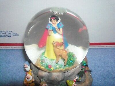 Disney Hallmark SALE Snow White & the Seven Dwarfs Musical Snow Globe