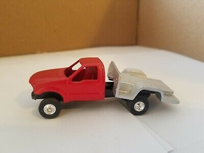 ERTL 1//64 VET BOX  FOR PICKUP TRUCK