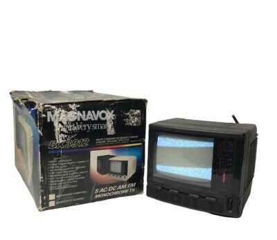 Magnavox Portable Camp TV Monitor AmFm Radio 5 Inch With AC/DC Or Battery BX3912