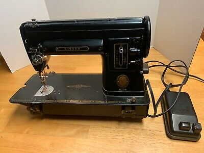 Vintage Antique Black 301A Singer Sewing Machine Sister To Featherweight Nice!!