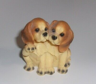 "Pair of Beagle Dogs Resin Figurine  2 1/2"" Tall"