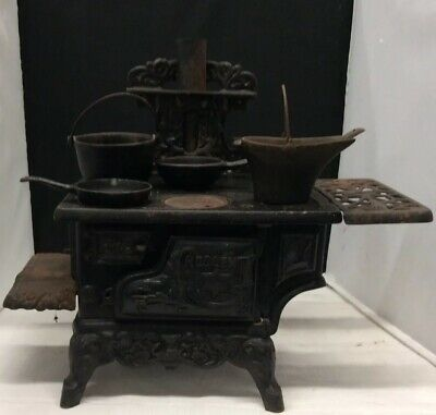 Antique Style Cast Iron Cooking Oven With Pots And Pans Set