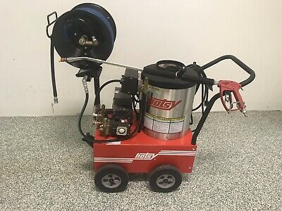 Hotsy 555SS 120V/Diesel Hot Pressure Washer W/ All Options