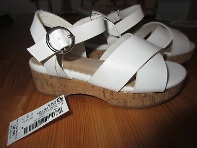 BNWT £22 Girls white wedge next sandals size 9 younger girls