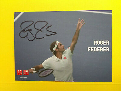 ROGER FEDERER- >  Hand Signed Autographed 4x6 Color promo. photo on the court !