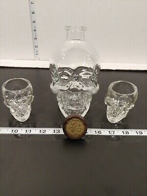 Crystal Head Vodka Skull Bottle & 2 skull shot glasses! 750ml bottle decanter