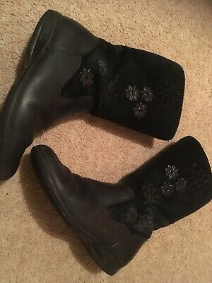 Girls Clarks black leather and suede winter boots size 12.5F