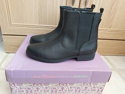 Brand New Girls Clarks Black Leather Goretex Chelsea Riding Ankle Boots 13.5F