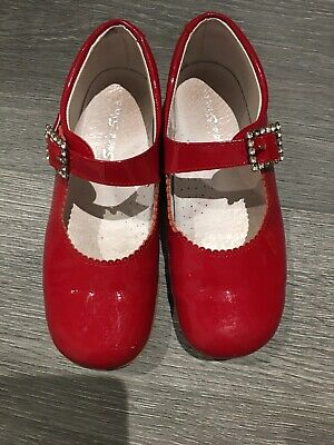 Girls Stunning Red Patent Spanish buckle Shoes, Excellent Condition, Size 31