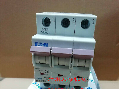 1PC EATON Circuit breaker air switch PL10-C32 / 3 3P 32A    Z#1