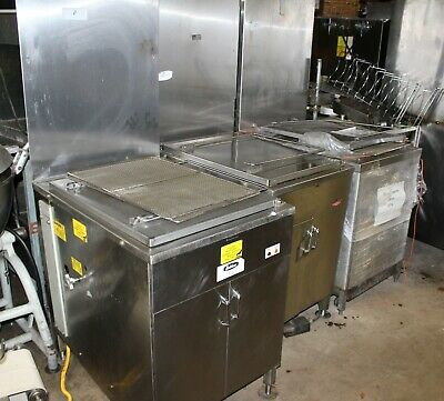 """Belshaw Model 718-LCG-NG Donut Fryer with 3 Screens - 18"""" x 26"""" - Nat. Gas"""