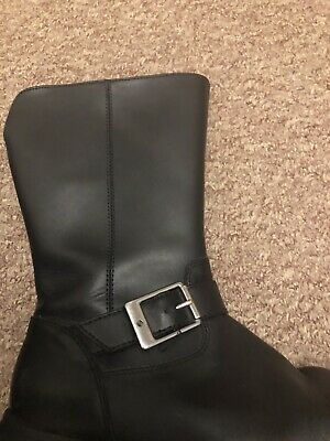Girls Clarks Black Boots Size 2 1/2F