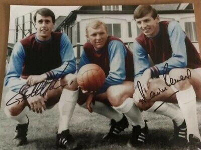 A2 Glossy signed SIR GEOFF HURST AND MARTIN PETERS WEST HAM PHOTO  £25