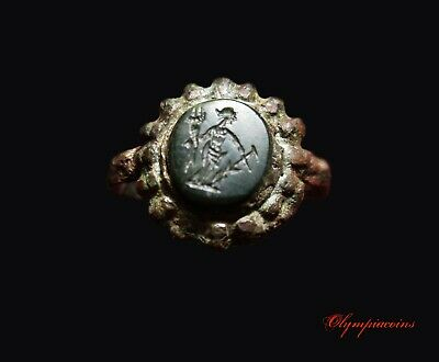 ** OUTSTANDING **  Ancient Roman Bronze ring ** FORTUNA ** on green stone