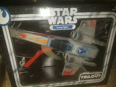 Vintage 2004 Star Wars The Original Trilogy Collection X-Wing Fighter