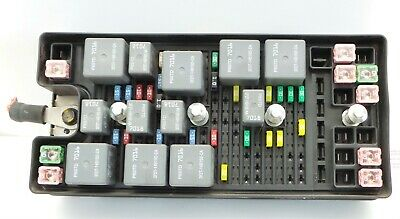 05-06 Ford Mustang Engine Fuse Junction Relay Box 6R3Z-14A068-D Oem