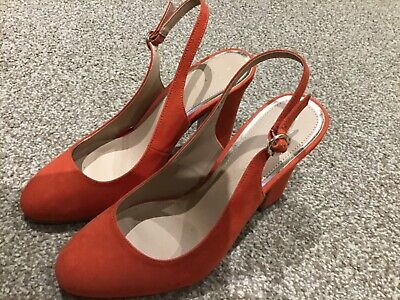 Ladies Size 7 Wide Fit Slingback Heeled Shoes, New look. Perfect Condition.