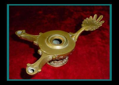 Large ANTIQUE ROMAN POMPEII BRONZE / BRASS OIL LAMP with Palmetto Leaf Handle