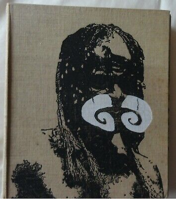 Book. Headhunters of Papua, Linen bound. 21 cm X 25 cm  Publ. Inst.Italy d'Arti