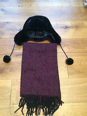 Lovely ladies or girls hat & scarf-next day post -London