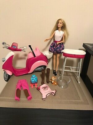 Barbie Vespa Scooter Moped Motorcycle Pink White Basket ,Doll,Pets Clothes Shoes
