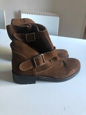 Boden Johnnie B girls brown suede boots with buckle 36 size 3 worn once