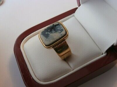 Stunning 18ct gold antique ring with a black and white stone hallmarked