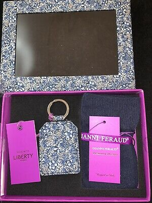 BNIB GIANNI FERAUD Key Fob With Socks In Gift Box Set RRP £70