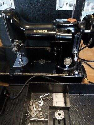 Vintage Singer Sewing Machine Featherlight black featherweight small