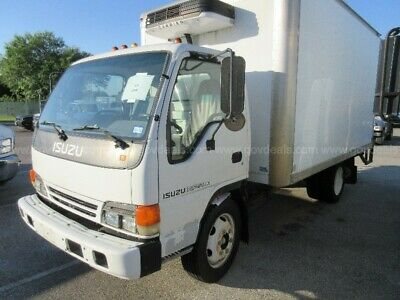 2001 isuzu npr box truck With Clean Tittle