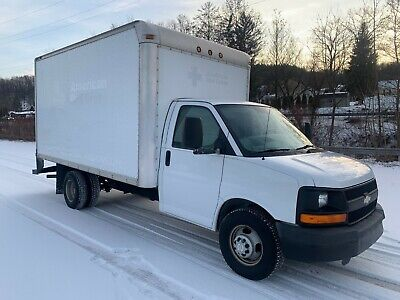 2009 Chevy Express 3500 16ft Box Truck - 6.0L V8, Red Cross owned - No Reserve